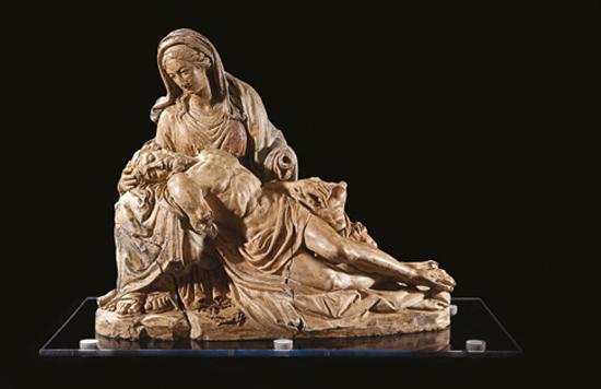 Les Borgia et leur temps, de Léonard de Vinci à Michel-Ange : Pietà (attribuée à Michel-Ange). 1496, modèle en terre cuite, 45 x 58 cm. Collection privée.