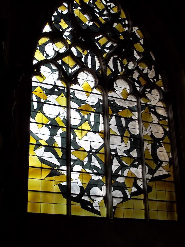 Vitraux d'artistes. De Notre-Dame de Paris à l'Abbaye royale de Fontevraud : François Rouan - Cathédrale de Nevers
