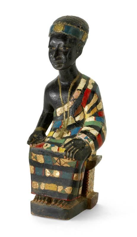 Une Afrique en couleurs : Statuette de dignitaire 20e siècle, Côte d'Ivoire, culture agni Bois peint Collection Denise et Michel Meynet © Photographie Pierre Verrier