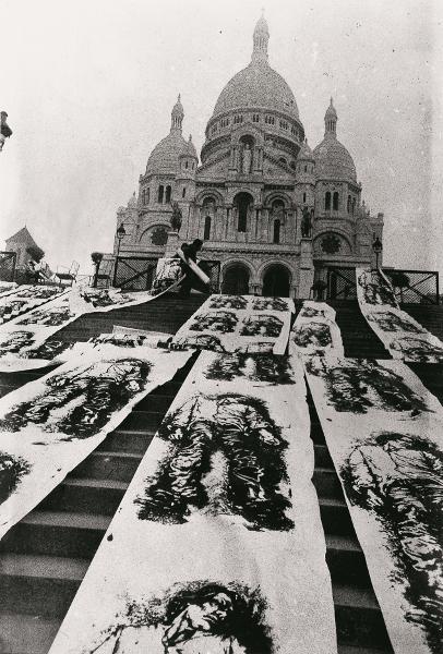 Ernest Pignon-Ernest : La Commune, Paris, 1971 Sérigraphies en situation © ADAGP, Paris, 2016