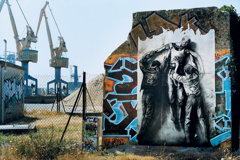 Ernest Pignon-Ernest. Exposition inaugurale de l'Espace Art Absolument : ERNEST PIGNON ERNEST, parcours Jean Genet, Brest, 2006. ©Ernest Pignon-Ernest