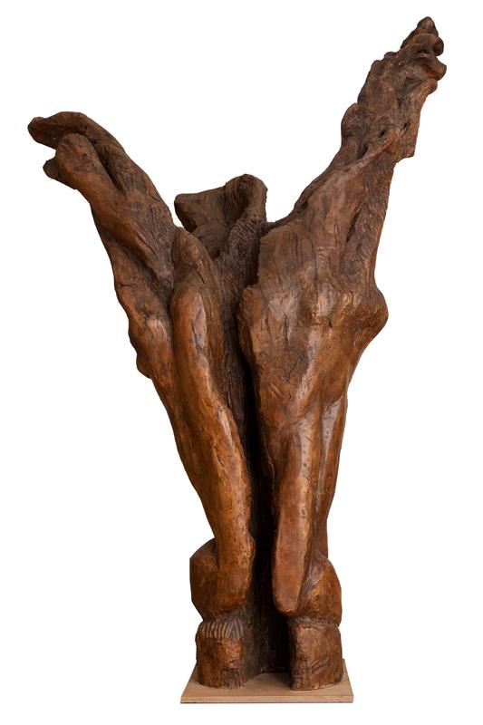 3e Biennale de sculpture d'Yerres - Inventer des mondes singuliers : Étienne-Martin. Le Cri. 1963, platane, 330 x 190 x 100 cm. © Nicolas Reitzaum