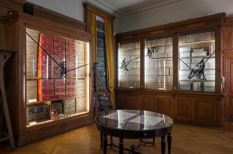Prix AWARE 2018 : Oeuvres de Vera Molnár et Violaine Lochu. Vue de l'exposition Prix AWARE 2018. Photo: Émile Ouroumov, 2018