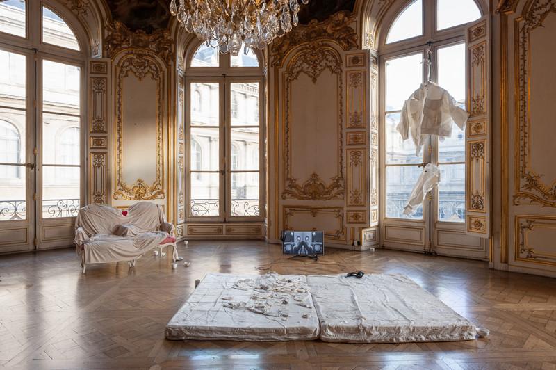 Prix AWARE 2018 : Oeuvres de Nil Yalter et Mélanie Matranga. Vue de l'exposition Prix AWARE 2018. Photo: Émile Ouroumov, 2018