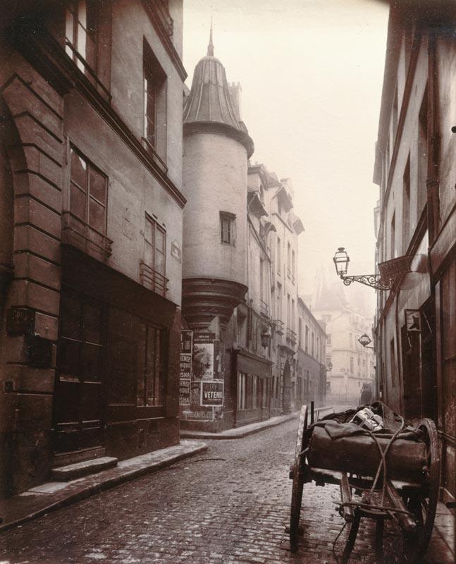 Eugène Atget. Paris, 1898 - 1924 : Rue Hautefeuille, 6e arrondissement, Paris, 1898 Eugène Atget Musée Carnavalet, Paris © Eugène Atget / Musée Carnavalet / Roger-Viollet