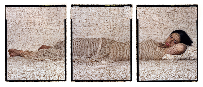 BIAC Martinique : Lalla Essaydi Les Femmes du Maroc : Reclining Odalisque, 2008. Three chromogenic prints mounted to aluminum Courtesy of the artist and Edwynn Houk Gallery