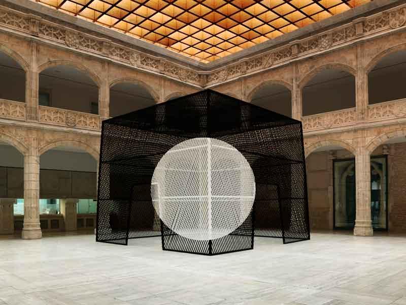 Georges Rousse, Architectures : Burgos, 2010. Copyright Georges Rousse/ADAGP, Paris. courtesy Galerie RX, Paris.