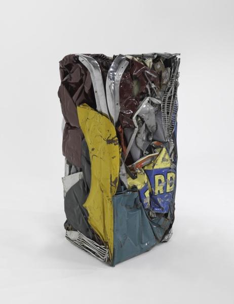 """Rétrospective - César : Cesar Compression """"Ricard"""" 1962 Compression Tole peinte 153 x 73 x 65 cm MNAM / Centre Pompidou, Paris © SBJ / Adagp, Paris 2017 Credit photo / Photo credit © Centre Pompidou, MNAM-CCI/Adam Rzepka / Dist. RMN-GP"""