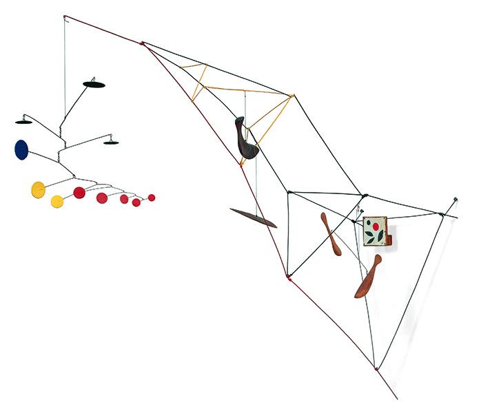 Icônes américaines : Alexander Calder. Tower with Painting. 1951, métal, bois, fil, peinture et huile marouflée sur bois, 101,6 x 152,4 x 42,2 cm. The Doris and Donal Fisher Collection at the San Francisco Museum of Modern Art. © Calder Foundation New-York / ADAGP, Paris, 201