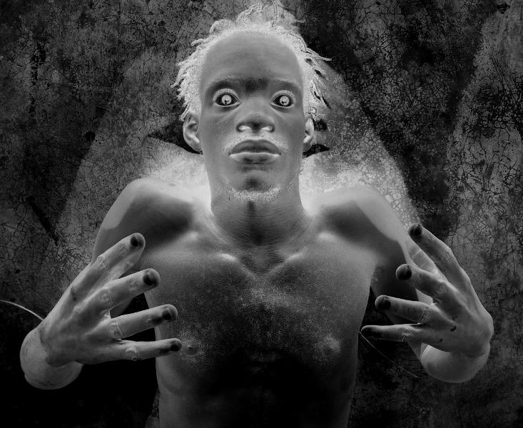 Image et Mystère. Myriam Mihindou : Myriam Mihindou. Dechoucaj'3. 65,5 x 80 cm, Haïti, 2004/2006. © Courtesy galerie Maïa Muller