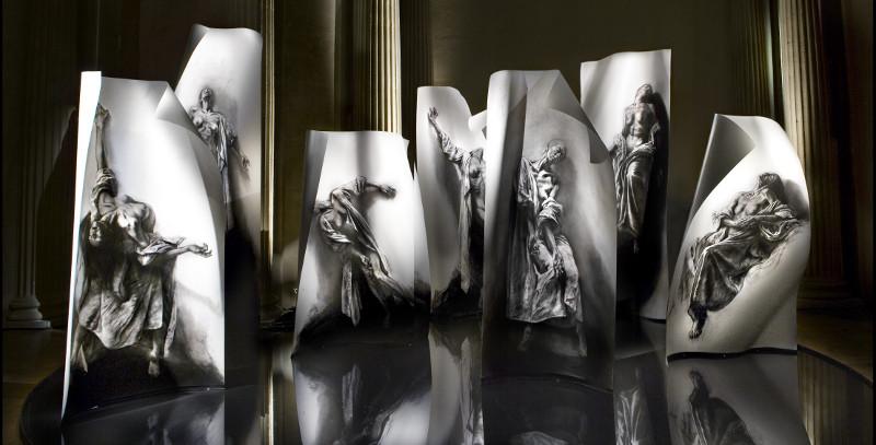 Charcot, une vie avec l'image : Ernest Pignon-Ernest. Extases. 2008-2014. Vue de l'installation au musée d'art et d'histoire de Saint-Denis, 2010. Courtesy de l'artiste et de la galerie Lelong, Paris. Photo : Ernest Pignon-Ernest et Michel Nguyen.
