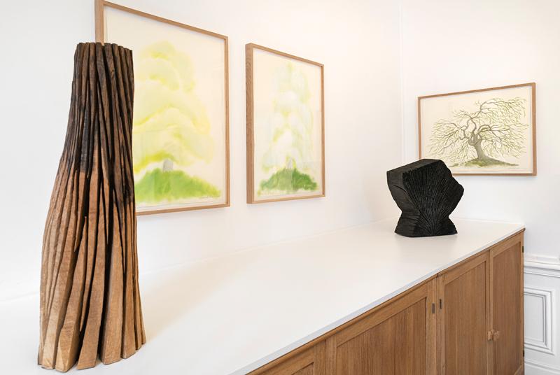 David Nash – The Many Voices of the Trees : Vue de l'exposition de David Nash, The Many Voices of the Trees, galerie Lelong, Paris, 2021. © David Nash / Courtesy Galerie Lelong & Co.