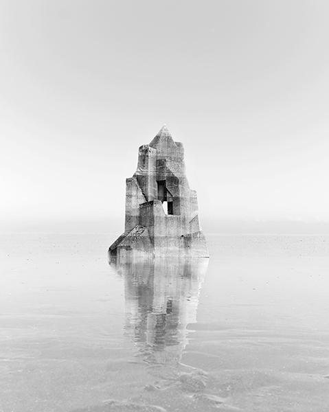 Noémie Goudal. Cinquième corps : Observatoire X © Noémie Goudal, 2014, Courtesy Noémie Goudal / Galerie Les filles du calvaire / Galerie Edel Assanti