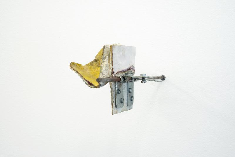 Nicolas Chatelain : Sans titre, 2012, Technique : acrylique et huile sur bois,Format : 23 x 26 x 19 cm  credit Raphaele Kriegel