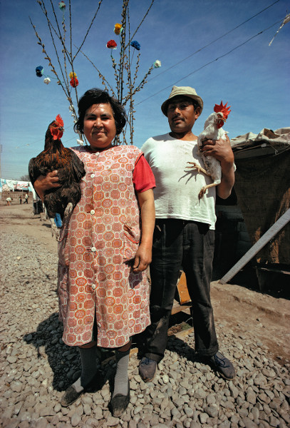 Raymond Depardon - Un moment si doux : Raymond Depardon, Campamiento Che Guevara, Faubourg sud de Santiago, Chili, 1971, 51 x 34 cm © Raymond Depardon / Magnum Photos
