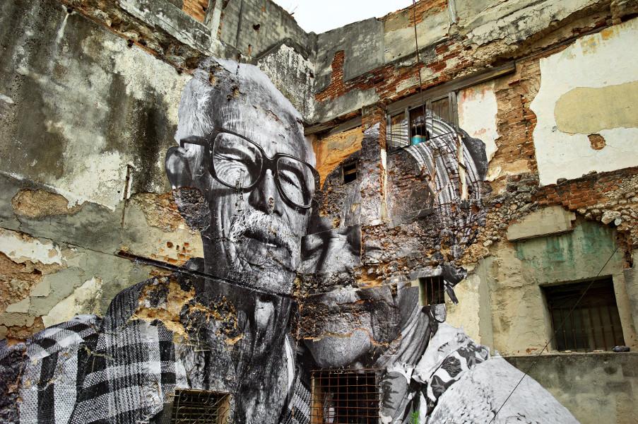 Dinard, l'Amour atomique : JR, The Wrinkles of the City (La Havana, Rafael Lorenzo y Obdulia Manzano, Cuba), 2012, Tirage photographie © 2013 JR – ADAGP/Courtesy l'artiste et Galerie E. Perrotin, Paris