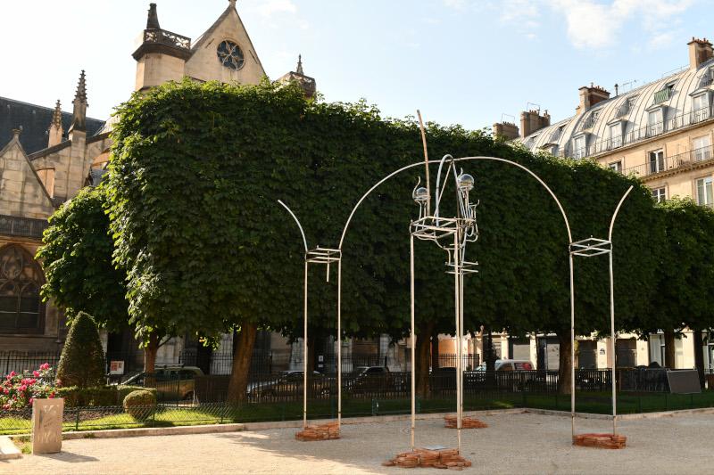 Urban Memory of the Lost Tuileries, Juan Garaizabal : Juan Garaizabal - Salon des Tuileries - Place du Louvre © Roberto Battistini