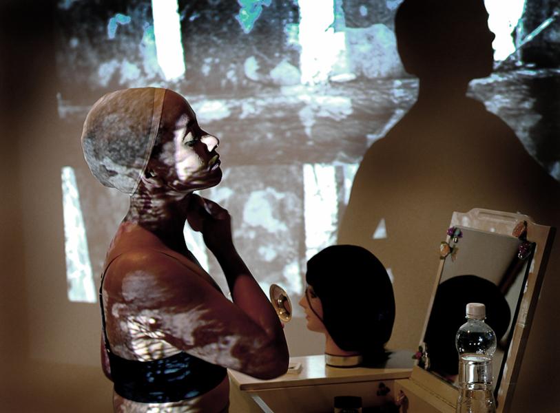 Body Talk : Miriam Syowia Kyambi. Fracture (i).  2011-15, performance / installation.