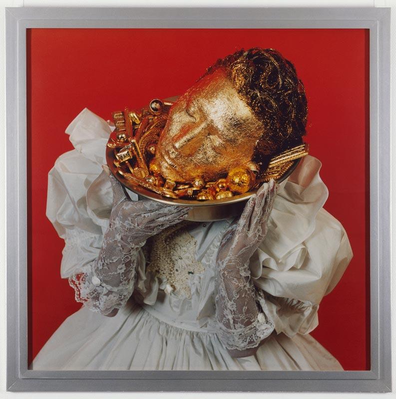 L'énigme du portrait. Œuvres de la Collection Neuflize Vie : Yasumasa Morimura, Doublonnage (Portrait B), 1988, Tirage couleur, éd. de 10, 133,3 x 133,5 cm, © Yasumasa Morimura Crédit photo : André Morin