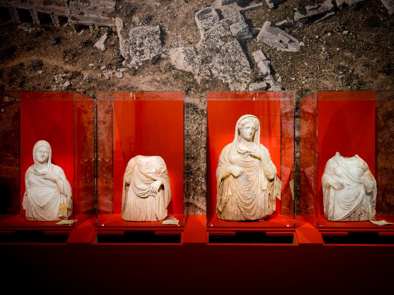 Sculptures antiques de Libye et de Syrie. Lutter contre le trafic illicite des biens culturels : Oeuvres issues du trafic illicite des biens culturels © Douane française_Patrice Pontié