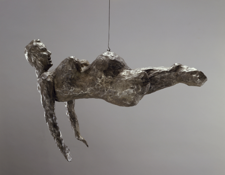 Sculptrices : Louise BOURGEOIS, Femme, 2005, Pièce suspendue, Bronze, patine nitrate d'argent, 33 x 41,9 x 19,7 cm, Collection Easton Foundation, Courtesy Cheim & Read and Hauser & Wirth Galleries, USA, Photo: Christopher Burke © Louise Bourgeois Trust / Licensed by AD
