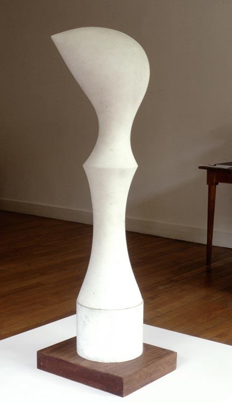 L'invention de l'œuvre, Rodin et les ambassadeurs : Jean Arp, Gur, 1963, marbre, © Fondation Arp, Clamart