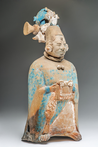 Les Mayas, un temps sans fin : Figurine féminine, Classique tardif (600-900 apr. J.-C.), Céramique, Jaina, Campeche, Mexique. © Centro Cultural Universitario Tlatelolco, UNAM, Mexico, Mexique Mentions obligatoires: Collection Stavenhagen. Photographe: Ignacio Guevara