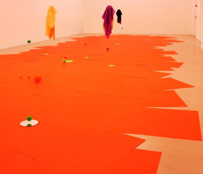 Didier Mencoboni. Un pas de côté : Didier Mencobini. Au bord. 2014, 18 x 7 m. Courtesy de l'artiste. © photo Didier Mencoboni, 2015