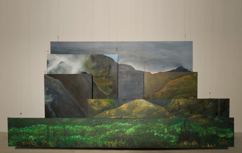 OMA / Outre-Mer Art Contemporain : Stéphanie Hoareau La montagne. 2010. Acrylique sur toile, 1m50 x 3m. Installation de 6 toiles suspendues. © photo : Félix Mula