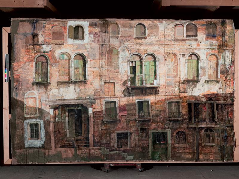 Safet Zec. La peinture et la vie : Façade vénitienne, 2010 - tempera, collage et acrylique sur papier [210x400cm] © Francesco Allegretto