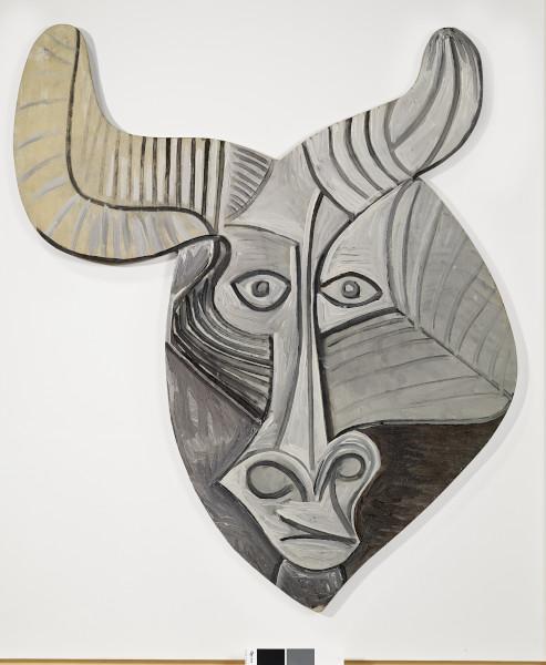 Picasso, l'atelier du Minotaure : Pablo Picasso, Masque de Minotaure, 1958 Huile sur bois 85x53,5 cm Collection particulière © Succession Picasso 2018 © Photographie Claude Germain