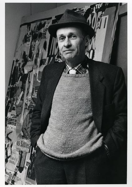 Jacques Villeglé : Jacques villeglé atelier rue au maire 20 février 1986, crédit photographie : François Poivret