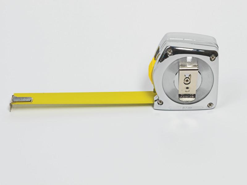 Prix Marcel Duchamp - Artistes nominés pour l'édition 2014 : Evariste Richer. Le Mètre vierge. 2004. Metal, plastique et peinture. 7,5x6,5x3cm. © Evariste Richer, Meessen De Clercq (Bruxelles) et Schleicher + Lange (Berlin). Photo :Philippe Chancel.