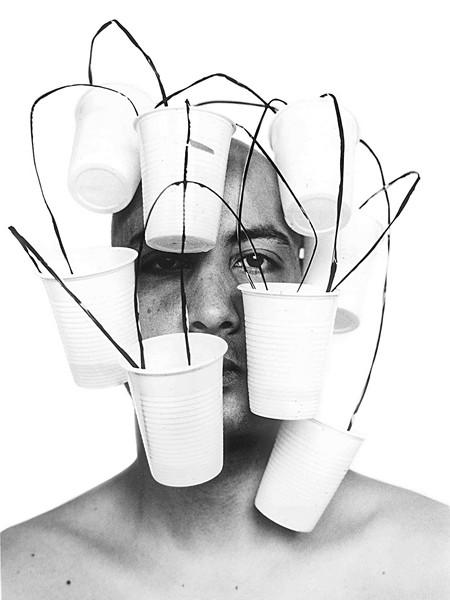Proche – Carte blanche à Pascal Amel : Hicham Benohoud, Sans titre, Photographie argentique, 120 x 80 cm, 2003?