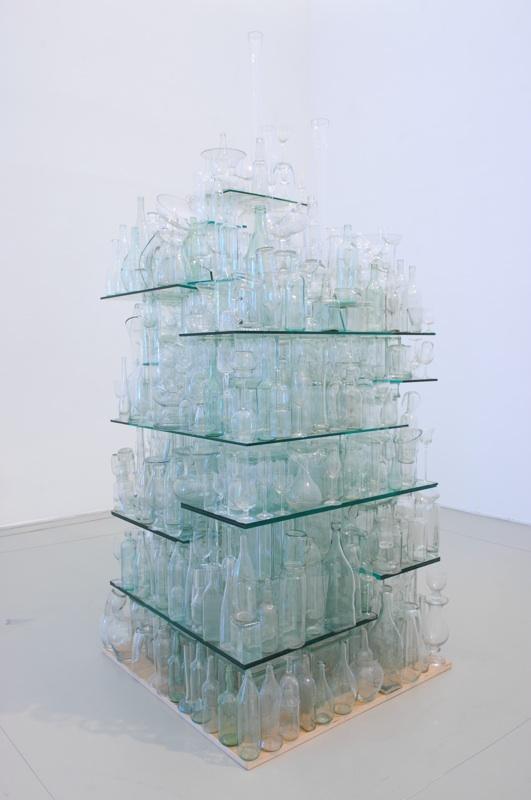 Iles jamais trouvées : Clear Glass Stack © Tony Cragg