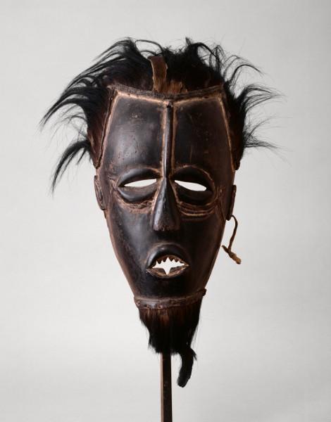 Tristan Tzara. L'Homme approximatif : 3. Cubo bete, Côte d'Ivoire, Paris, musée du quai Branly