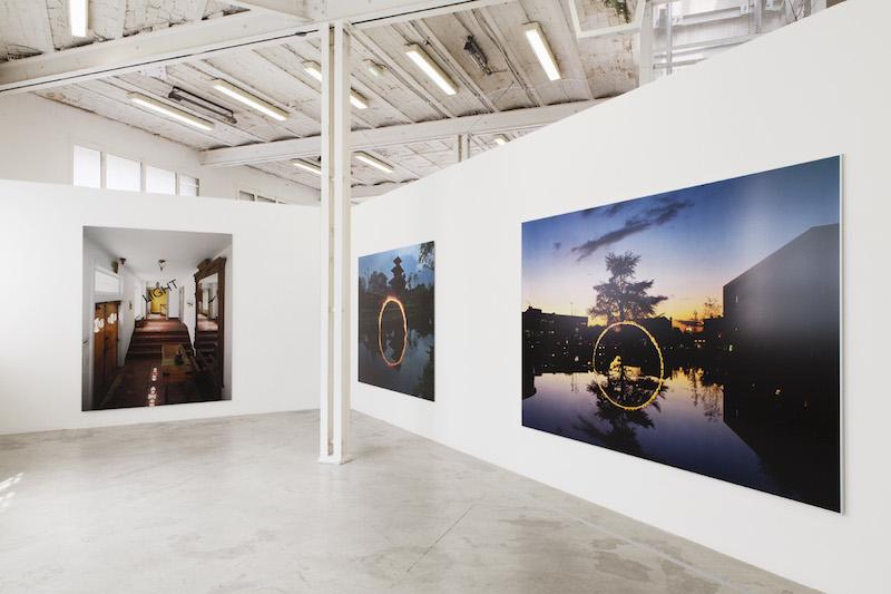 Georges Rousse-Le feu, le rouge et le noir : Harlem, 2007; Panauti, 2005 ; Blanc-Mesnil, 2005 ©Le Creux De L'Enfer