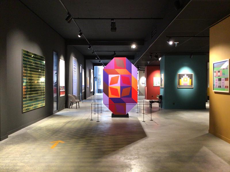 Vasarely, art et industrie : Vue de l'exposition Vasarely, art et industrie, FIAA, Le Mans, 2021.