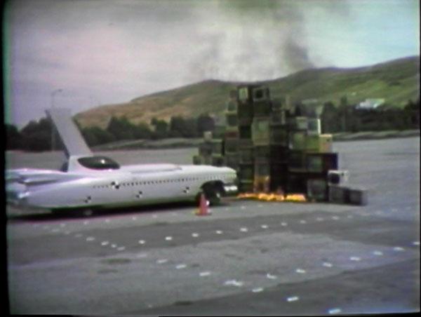 Vidéo Vintage : Ant Farm, Media Burn, 1975, Coul., son, 26 min Coll Mnam/Cci, Centre Pompidou