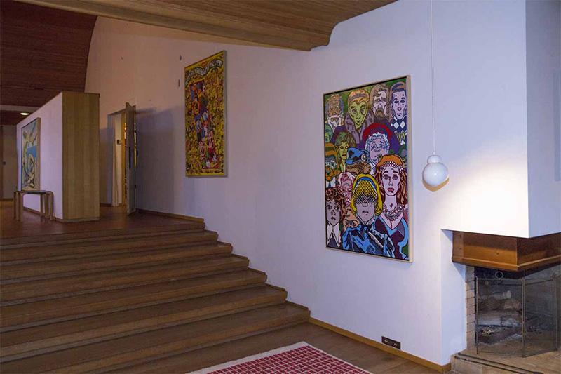 Erró chez Carré : Vue de la maison de Louis Carré, couloir.