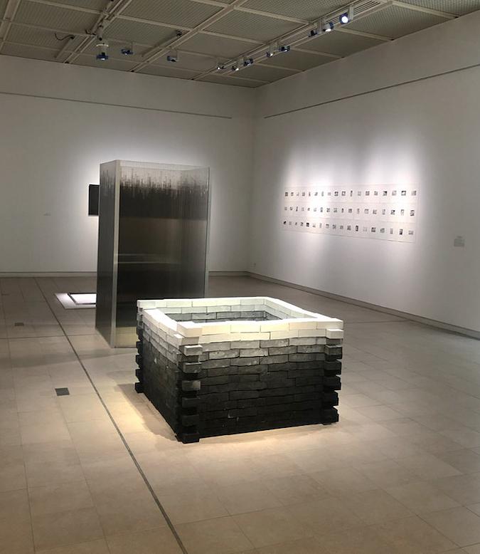 Wendy Vachal. Structures de l'instable : Vue de l'exposition de Wendy Vachal, Structures de l'instable, Musée de l'Hospice Saint-Roch, Issoudun, 2021.