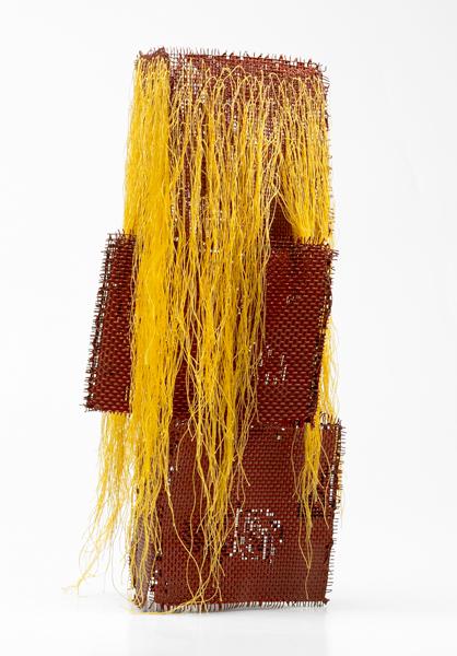 Patrick Condouret - Around up and down : Sans titre.  2011, métal, peinture sur fil de coton, 30 x 15 cm.