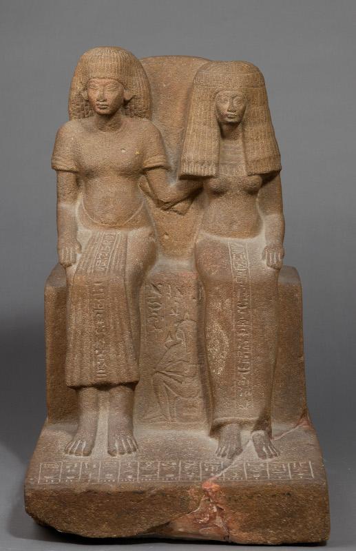Amour : Le gardien du trésor Youyou et sa femme Tiy, Égypte. Vers 1391 -1353 av. J.-C., quartzite, Paris, musée du Louvre. © Musée du Louvre, dist. RMN-GP / Christian Décamps