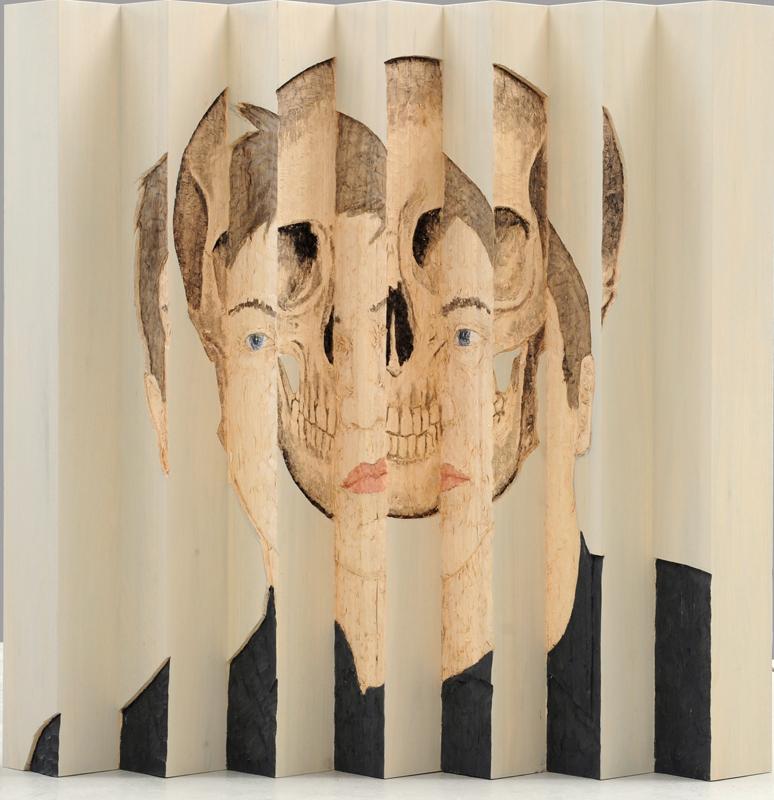 Stephan Balkenhol : Memento mori, 2009 Bois peint (wawa) 200 x 200 x 30 cm Musée National d'art Moderne Centre Pompidou, Paris