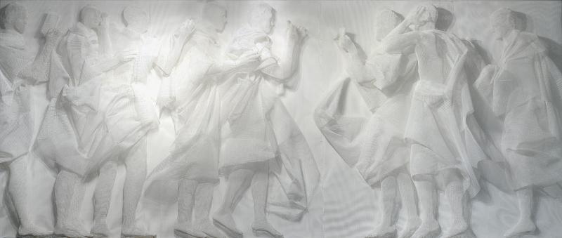 Le bas-relief dans tous ses états : Recycle Group, Battle of Likes. Instagramm, 2013 Treillis en plastique, 250 X 500 cm Courtesy Suzanne Tarasieve Paris