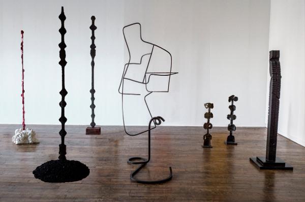 Alain Kirili : Who's Afraid of Verticality ? : Vue de l'exposition : Alain Kirili : Who's Afraid of Verticality