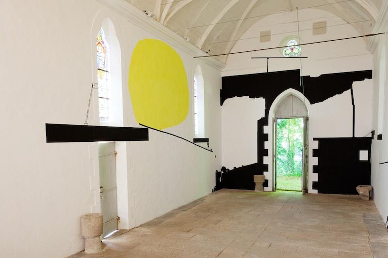 L'art dans les chapelles – 20e édition : Olivier Nottellet, Chapelle Saint-Jean, Le Sourn. Photo Stephane Cuisset