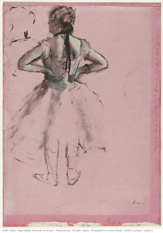Le papier à l'œuvre : Edgar Degas, Danseuse, vue de dos, les mains sur les hanches, vers 1873, pinceau, huile, essence, blanc, laque rose, 40 X 28 cm. Paris, musée d'Orsay, legs Isaac de Camondo 1911 © C2RMF / Elsa Lambert