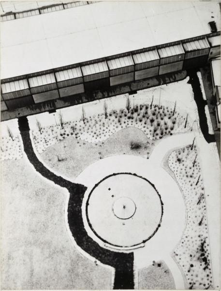 Vues d'en haut : Laszlo Moholy-Nagy, Vue de Berlin depuis la tour de la Radio, 1928