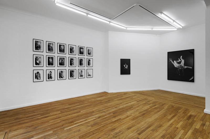 ORLAN. Striptease historique : Vue de l'exposition d'ORLAN, Striptease historique, galerie Ceysson & Bénétière, Paris, 2021.
